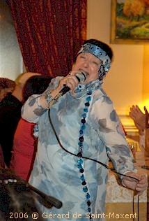 Edith Moineau chante au château de Valombré